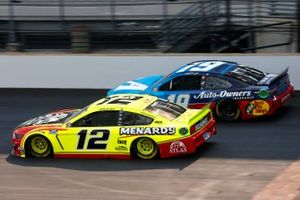Ryan Blaney, Team Penske, Ford Mustang Menards/Atlas, Martin Truex Jr., Joe Gibbs Racing, Toyota Camry Auto Owners Insurance