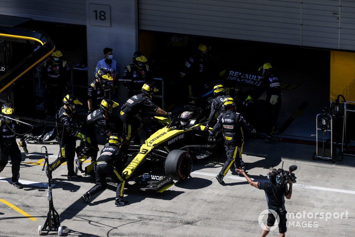 Daniel Ricciardo, Renault F1 Team R.S.20 se retira de la carrera