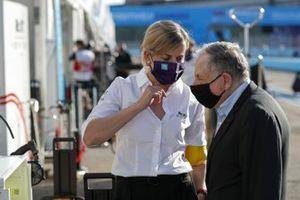 Susie Wolff, Team Principal, Venturi praat met Jean Todt, FIA President