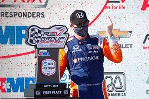 Scott Dixon, Chip Ganassi Racing Honda celebrates on the podium