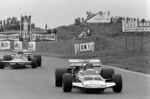 Gijs van Lennep, Surtees TS7 Ford, Ronnie Peterson, March 711 Ford