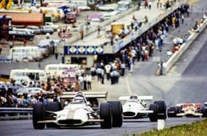 Jackie Oliver, BRM P153, Rolf Stommelen, Brabham BT33 Ford, Emerson Fittipaldi, Lotus 49C Ford