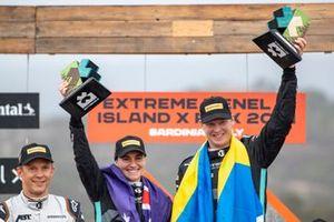 Molly Taylor, Rosberg X Racing, y Johan Kristoffersson, Rosberg X Racing, 1ª posición, con sus trofeos en el podio