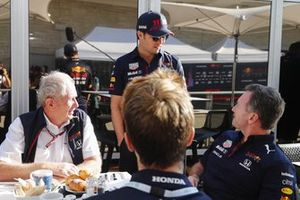 Helmut Marko, consultant, Red Bull Racing, Sergio Perez, Red Bull Racing et Christian Horner, team principal, Red Bull Racing
