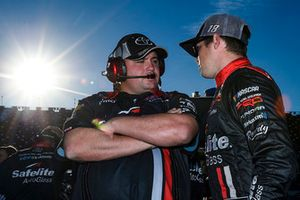 Ryan Fugle, Noah Gragson, Kyle Busch Motorsports, Toyota Tundra Safelite AutoGlass
