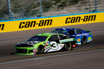 Austin Dillon, Richard Childress Racing, Chevrolet Camaro American Ethanol e15 and Martin Truex Jr., Furniture Row Racing, Toyota Camry Auto-Owners Insurance