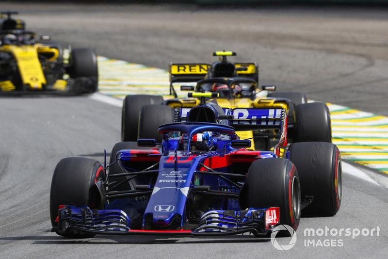Pierre Gasly, Scuderia Toro Rosso STR13, Carlos Sainz Jr., Renault Sport F1 Team R.S. 18, y Nico Hulkenberg, Renault Sport F1 Team R.S. 18