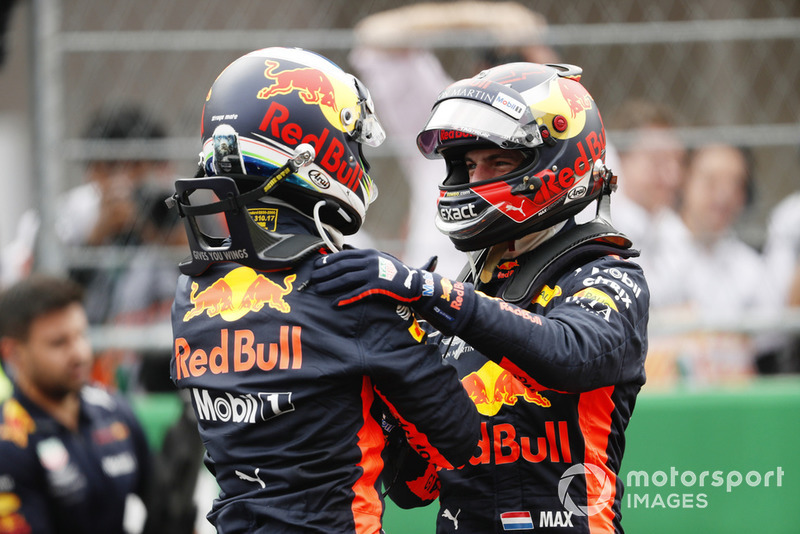 Daniel Ricciardo, Red Bull Racing, celebrates wit Max Verstappen, Red Bull Racing, after taking Pole Position