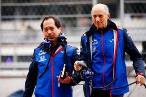 Toyoharu Tanabe, Direttore tecnico F1, Honda, e Franz Tost, Team Principal, Scuderia Toro Rosso