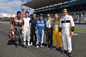 Jean Alesi, Kazuki Nakajima, Aguri Suzuki, Takuma Sato, Satoru Nakajima et Mika Hakkinen lors des Legends F1 30th Anniversary Lap Demonstration