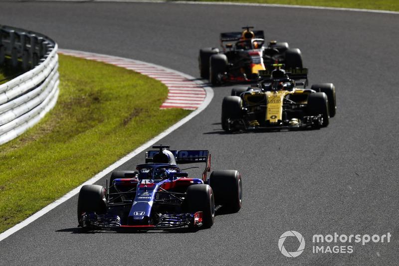 Brendon Hartley, Toro Rosso STR13, Carlos Sainz Jr., Renault Sport F1 Team R.S. 18, y Daniel Ricciardo, Red Bull Racing RB14