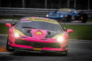 #173 Ferrari 488, Ineco - MP Racing: Corinna Gostner