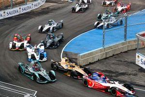 Jérôme d'Ambrosio, Mahindra Racing, M5 Electro Andre Lotterer, DS TECHEETAH, DS E-Tense FE19, Mitch Evans, Panasonic Jaguar Racing, Jaguar I-Type 3 at the start