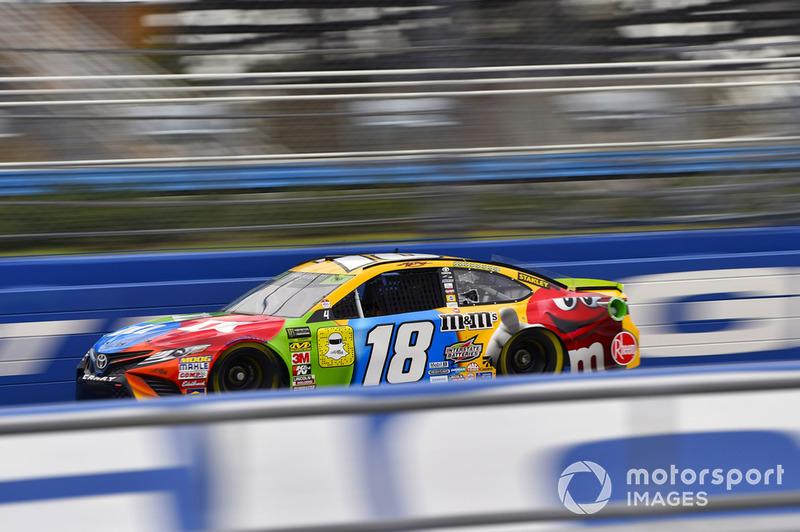 2. Kyle Busch, Joe Gibbs Racing, Toyota Camry M&M's - Championship 4 driver