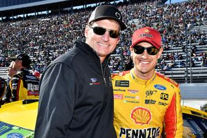 Joey Logano, Team Penske, Ford Fusion Shell Pennzoil and Doug Yates