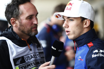 Pierre Gasly, Scuderia Toro Rosso, talks with Franck Montagny of Canal+ TV.