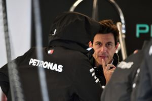 Lewis Hamilton, Mercedes AMG F1 et Toto Wolff, directeur de Mercedes AMG F1
