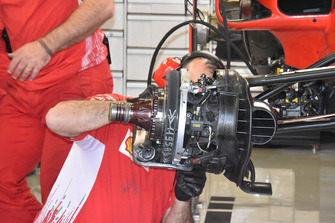 Detalle de rueda Ferrari SF71H