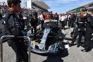 Valtteri Bottas, Mercedes-AMG F1 W09 op de grid