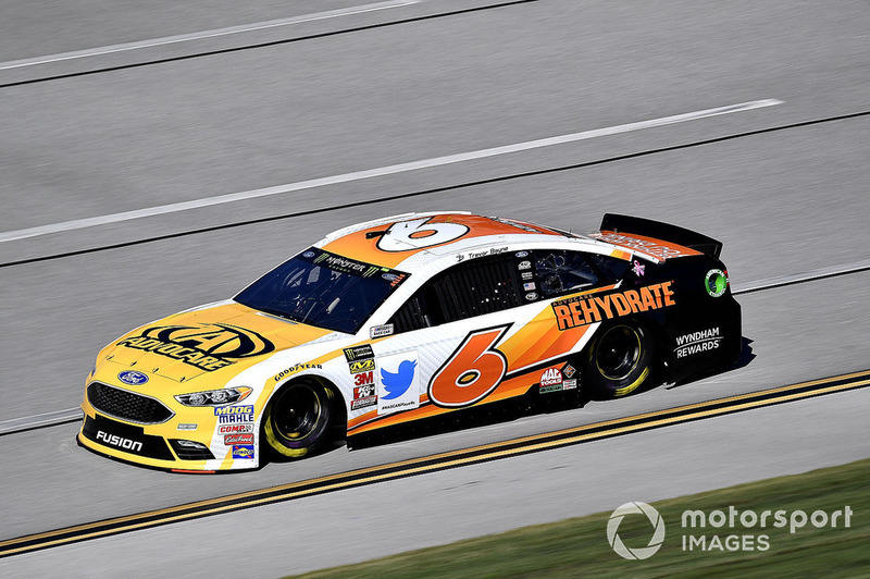 24. Trevor Bayne, Roush Fenway Racing, Ford Fusion AdvoCare Rehydrate