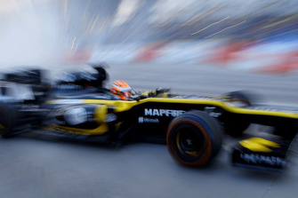 Jack Aitken im Lotus E20 in Renault-Farben