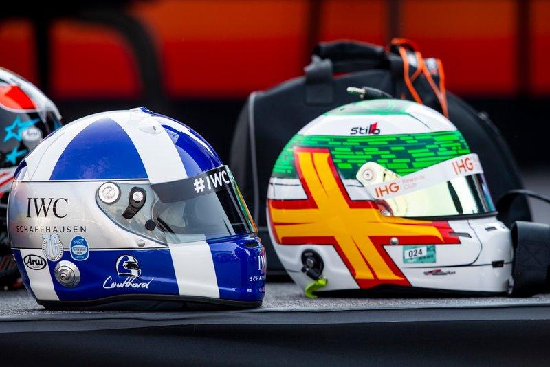Les casques de David Coulthard et Andy Priaulx