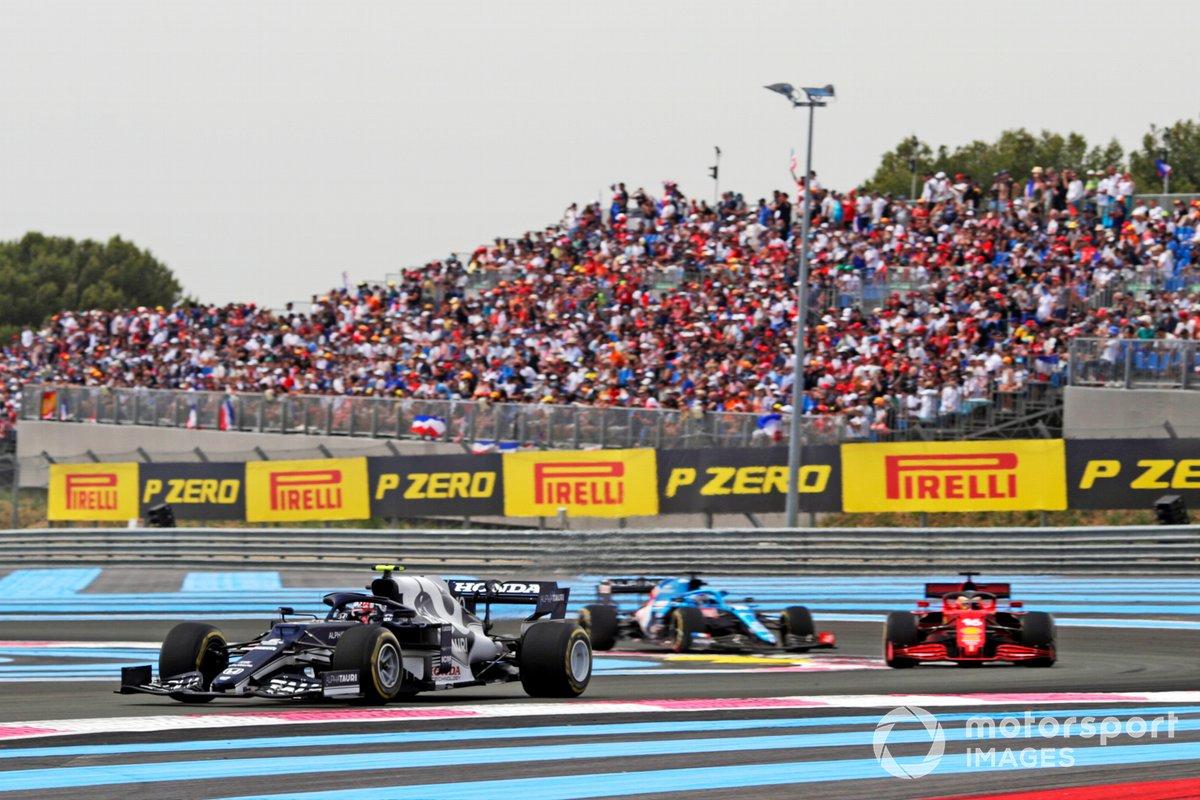 Pierre Gasly, AlphaTauri AT02, Charles Leclerc, Ferrari SF21, Fernando Alonso, Alpine A521