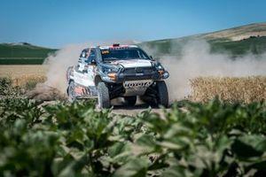 #209 Overdrive SA Toyota Hilux Overdrive: Martin Kaczmarski, Tapio Suominen