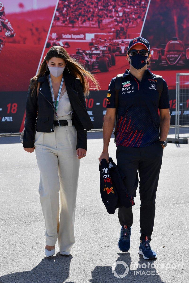 Sergio Pérez, Red Bull Racing, con su mujer, Carola Martinez