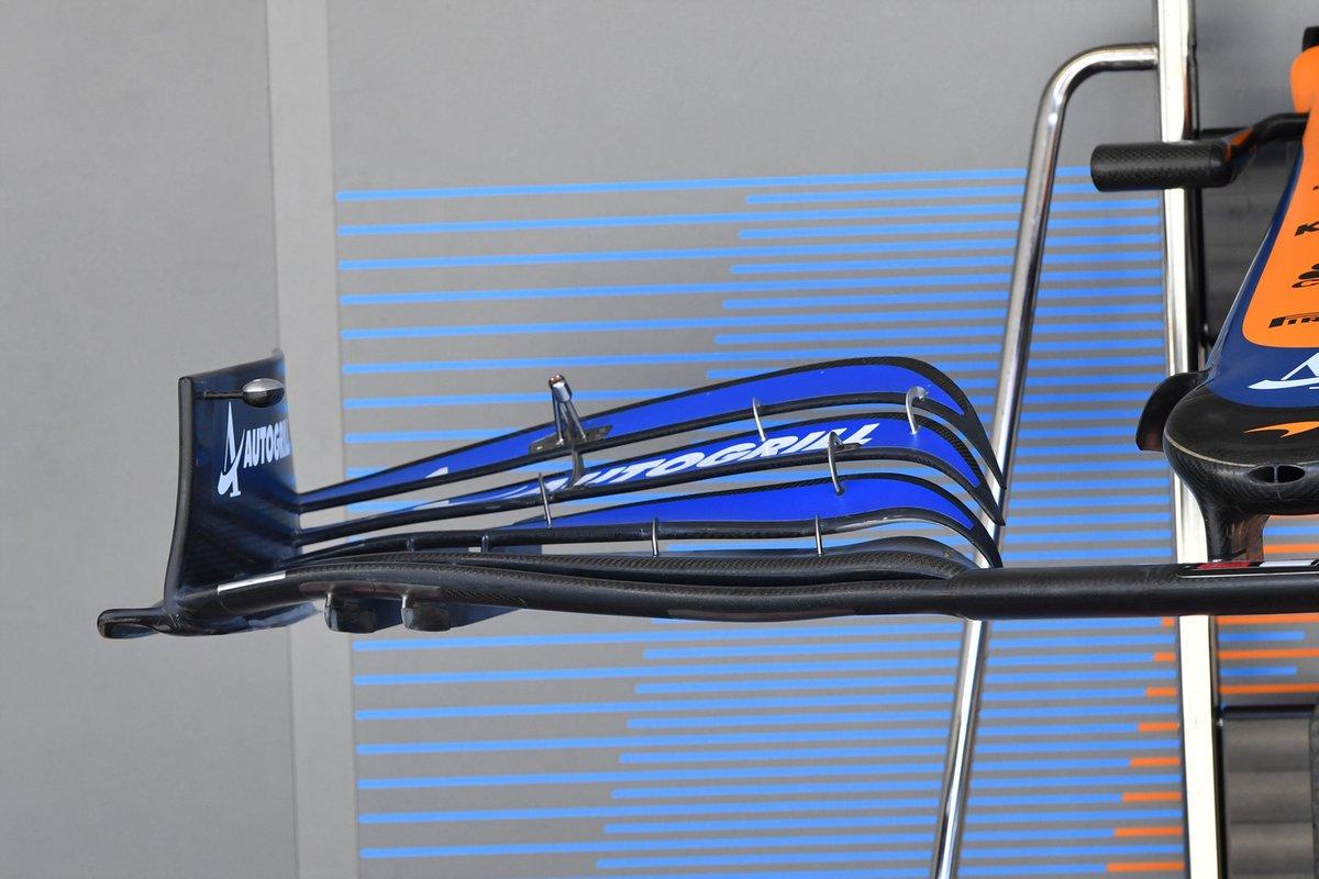 Detalle del ala frontal del McLaren MCL35M