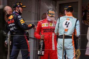 Max Verstappen, Red Bull Racing, Carlos Sainz Jr., Ferrari, Lando Norris, McLaren
