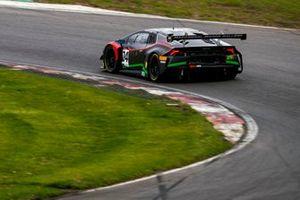 #24 Lucky Khera / Ross Wylie - Simon Green Motorsport Lamborghini Huracan GT3 Evo