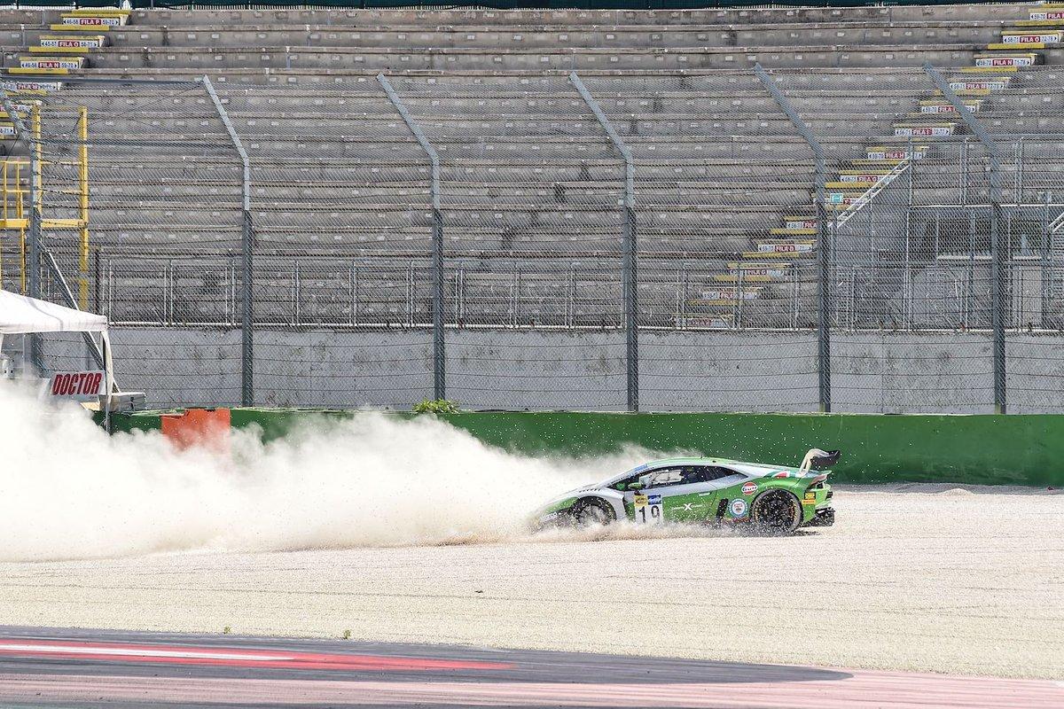 #19 Imperiale Racing, Lamborghini Huracán GT3 Evo: Mateo Llarena, Stuart Middleton