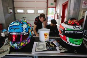 Caschi ai box AB Racing