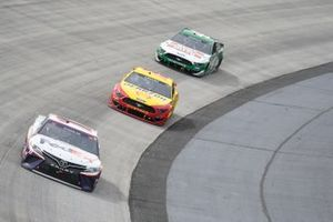 Denny Hamlin, Joe Gibbs Racing, Toyota Camry FedEx Office, Joey Logano, Team Penske, Ford Mustang Shell Pennzoil, Kevin Harvick, Stewart-Haas Racing, Ford Mustang Hunt Brothers Pizza