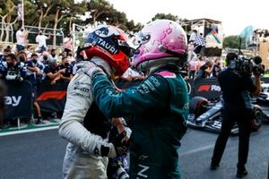 Pierre Gasly, AlphaTauri, 3rd position, and Sebastian Vettel, Aston Martin, 2nd position, congratulate each other in Parc Ferme