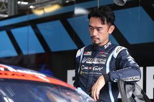 Naoki Yokomizo, #9 PACIFIC NAC CARGUY Ferrari