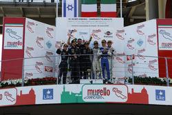 Podio Gara 2 Super GTCup: al secondo posto Bar Baruch e Jacopo Faccioni, Vincenzo Sospiri Racing, i vincitori Yuki Nemoto e Nicolas Costa, Vincenzo Sospiri Racing, al terzo posto Piero Necchi e Kikko Galbiati, Antonelli Motorsport