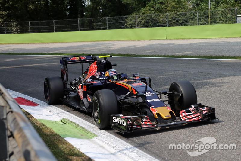 15. Carlos Sainz Jr., Scuderia Toro Rosso STR11