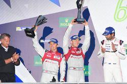 Segundos #7 Audi Sport Team Joest Audi R18: Marcel Fässler, Andre Lotterer