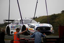 #1 AMG - Team Zakspeed Mercedes-AMG GT3: Luca Ludwig, Sebastian Asch wird abgeschleppt