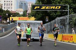 Jenson Button, McLaren Honda ve Stoffel Vandoorne, Test Pilotu, McLaren F1 Team