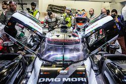 Pole winners #2 Porsche Team Porsche 919 Hybrid: Romain Dumas, Neel Jani, Marc Lieb back in the pit