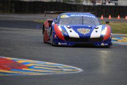 #57 AF Corse Ferrari 488 : Aleksey Basov, Victor Shaitar