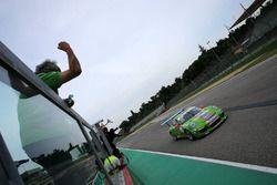 Mattia Drudi, Dinamic Motorsport - Modena prende la bandiera a scacchi