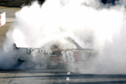 Sieger Kyle Busch, Kyle Busch Motorsports Toyota