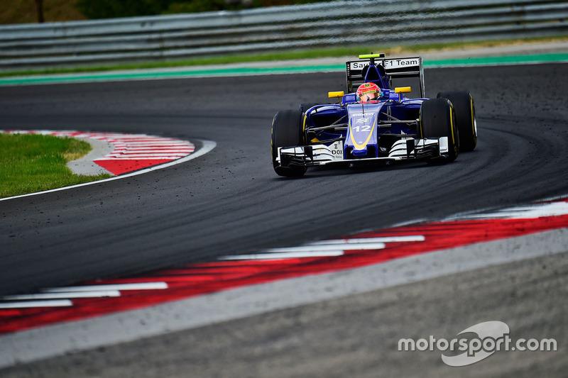 Com pista seca, Felipe Nasr não pôde fazer muito para avançar na prova e não foi além do 17º lugar.