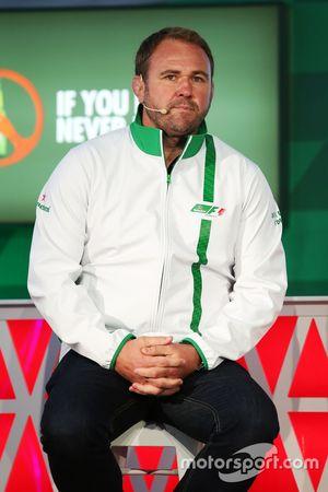 Scott Quinnell, Former Rugby Player all'annuncio della sponsorizzazione Heineken