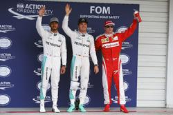 Clasificación top tres en parc ferme: segundo lugar Lewis Hamilton, Mercedes AMG F1; Ganador d ela p