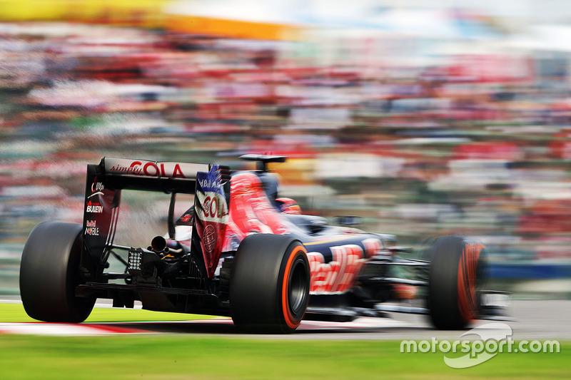 2016 год. За рулем болида (STR11) по ходу гонки